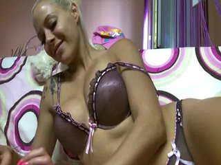 Webcam Chat mit LuxuriousDoll