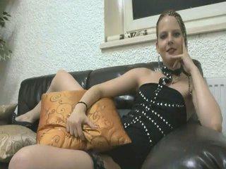 Video 8 von AliciaMueller , Laufzeit: 37 Sek.