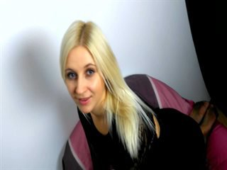 Video 1 von AdinaBlond , Laufzeit: 38 Sek.