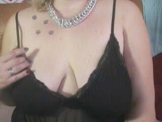 Video 2 von BustyBlanche , Laufzeit: 51 Sek.