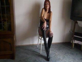 Preview 27: Denisa Ich zeige Dir gerne meinen geilen Körper... Ein bisschen frivol :-)