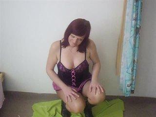 Preview 68: Denisa Ich zeige Dir gerne meinen geilen Körper... Ein bisschen frivol :-)