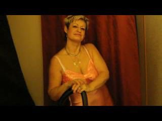 Preview 11: Jenie Sexy, reife Stute will spielen... Heisse Live-Show!