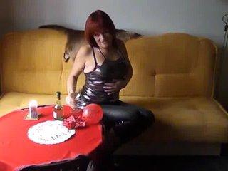 Preview 25: Denisa Ich zeige Dir gerne meinen geilen Körper... Ein bisschen frivol :-)