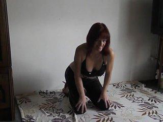 Preview 43: Denisa Ich zeige Dir gerne meinen geilen Körper... Ein bisschen frivol :-)