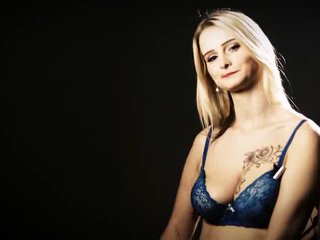 Livestrip Sex mit MiaBitch