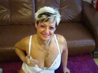 Preview 6: Jenie Sexy, reife Stute will spielen... Heisse Live-Show!