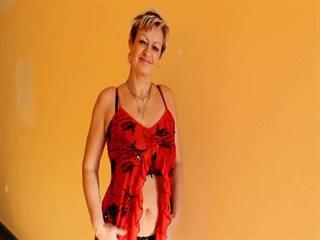 Preview 12: Jenie Sexy, reife Stute will spielen... Heisse Live-Show!