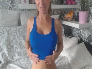 Preview 2: Sara Knackarsch, grosse Titten *Komm rein und spritz. Der geilste Po im Web!