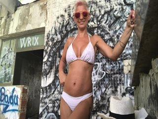 Preview 6: MilfDiana Geile Action für dein Ständer!! Abspritzen ! Klick rein Süßer, hier ist EROTIK angesagt