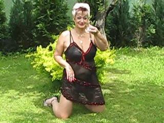 Preview 1: Jenie Sexy, reife Stute will spielen... Heisse Live-Show!